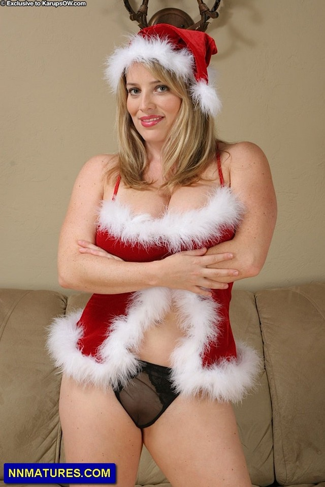 milf in sexy christmas outfit