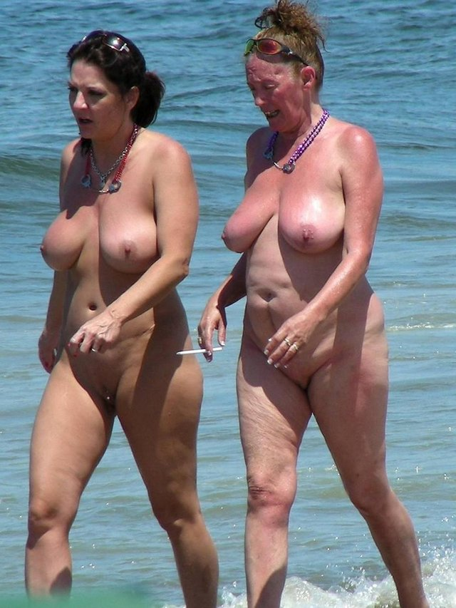 Mom daughter nude beach