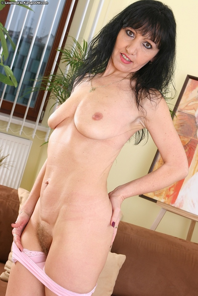 Mature hairy pussy porn stars