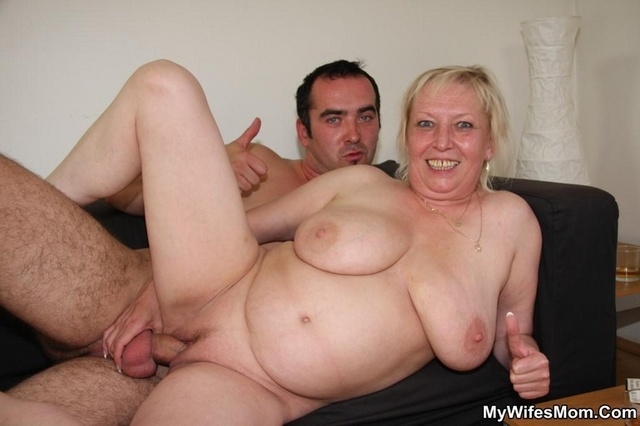 Amateur ebony ssbbw receives intense oral 1