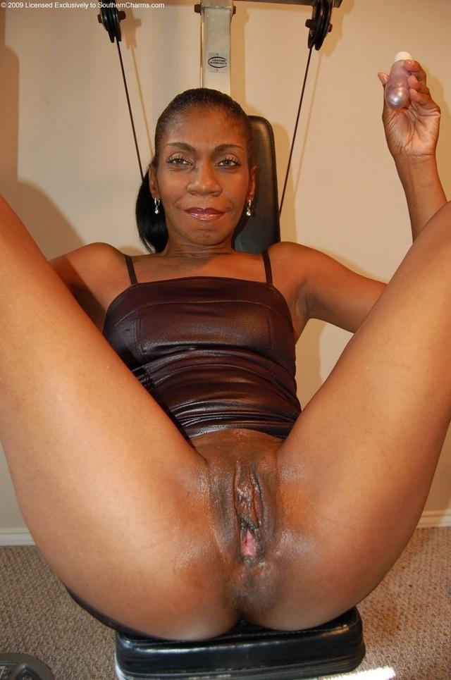 Milf mature ebony