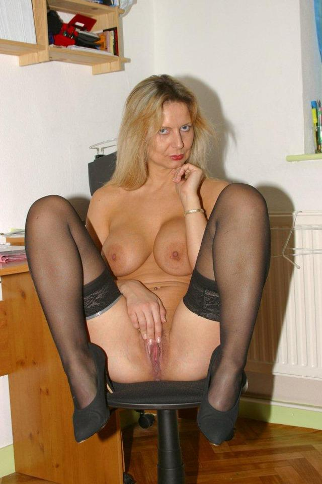 horny mature ass mature mom ass milf blonde tits over close stockings horny heels high office european work bends hbfpoq
