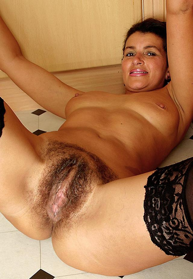 Hairy mature fuck tube