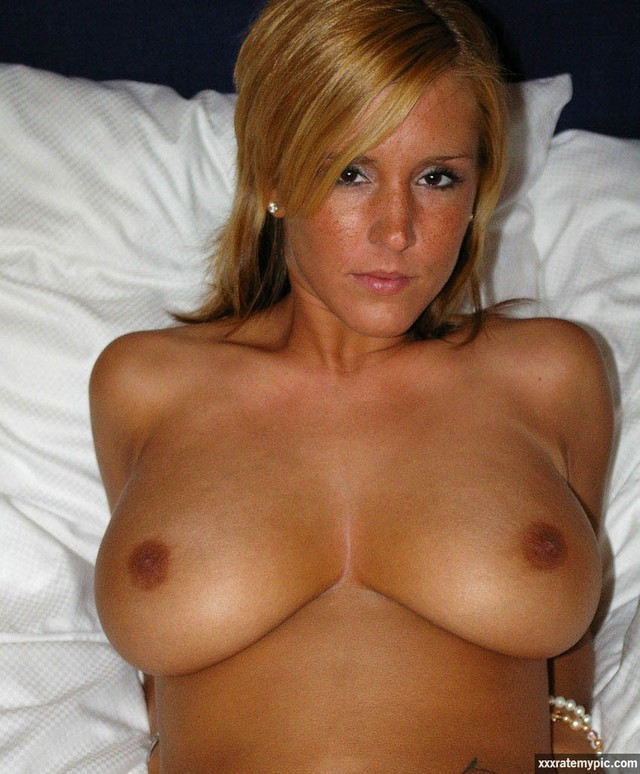 cougar Mature nipples