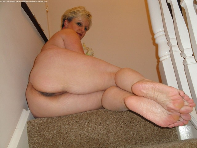 mature feet juicy mature pussy picture wet feet judys butthole
