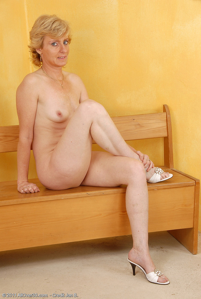 mature legs mature galleries open over legs all spreads wide leny