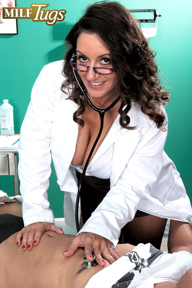 mature persia pussy hairy doctor dick tits breasts sucking mouth persia monir