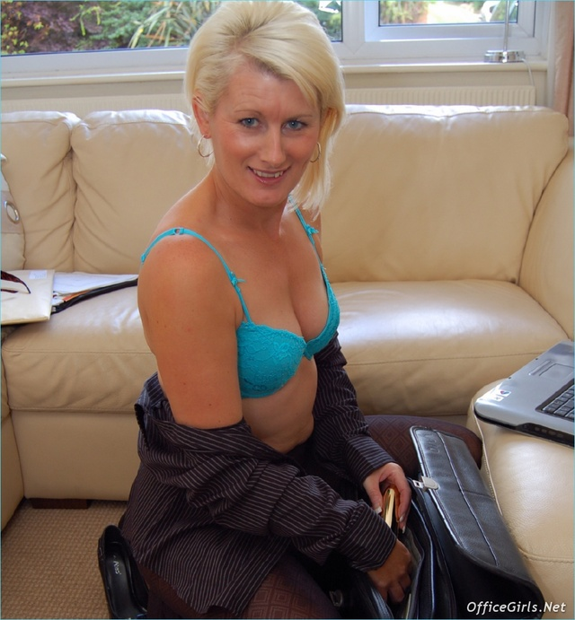 mature sally mature taylor blonde large sally pantyhose solo sczzl