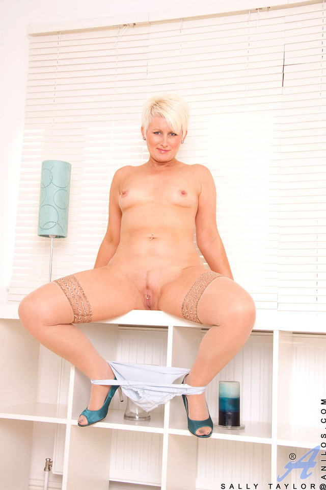 mature sally mature pussy galleries blonde sally shaved anilos spreads