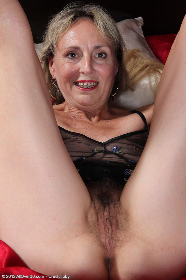 pics of naked milfs hairy milf over all from sienna sie