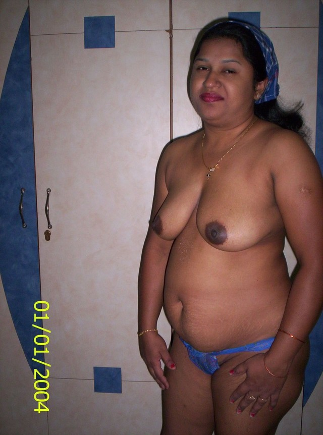 Rather valuable Desi mature nude that