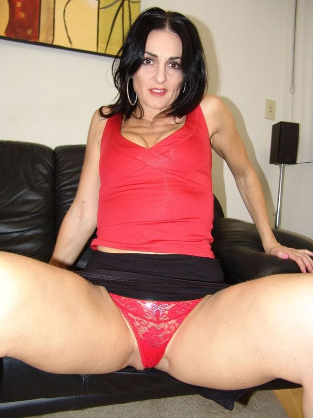 red mature mature pics panties picpost thmbs red flashing mommy lacey