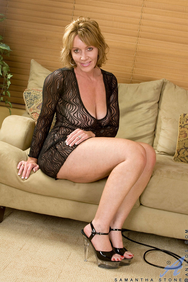 samantha mature mature smooth samantha takes fun anilos stone tempting