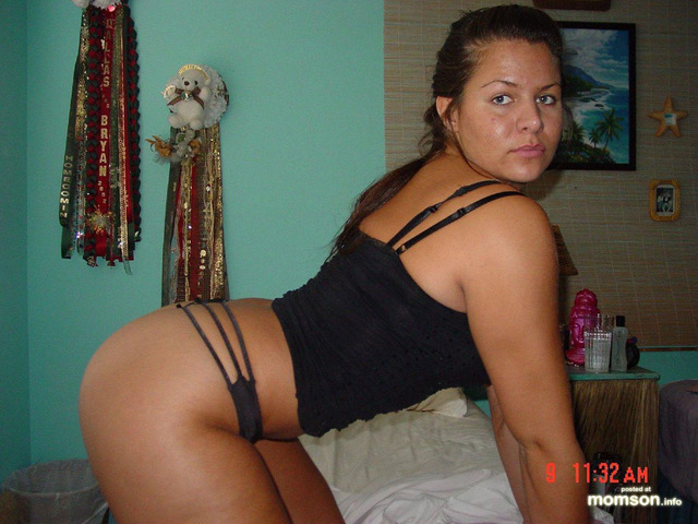 sexy horny mom pics mom ass giving horny sexy thong nice mommy camera pose