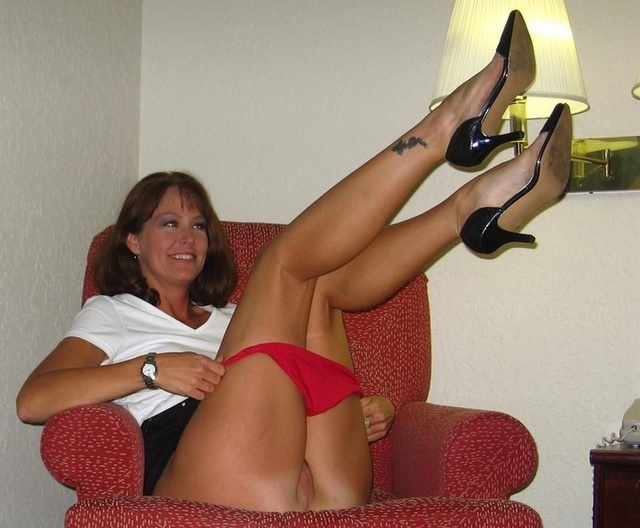 http://www.older-mature.net/media/images_640/3/sexy-mature-mamas/sexy-mature-mamas-80717.jpg
