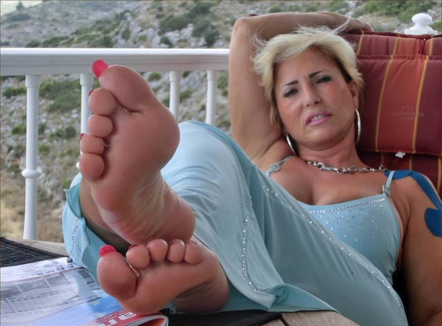 sexy milf porn photos amateur porn pictures milf hot feet sexy beauty barbara