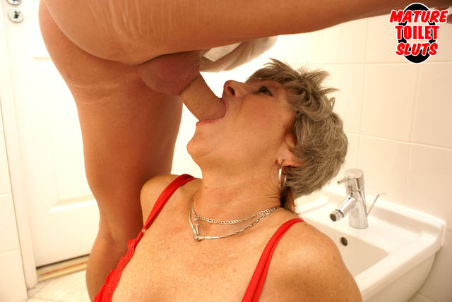 shower mature mature women gets fucked shower bcc