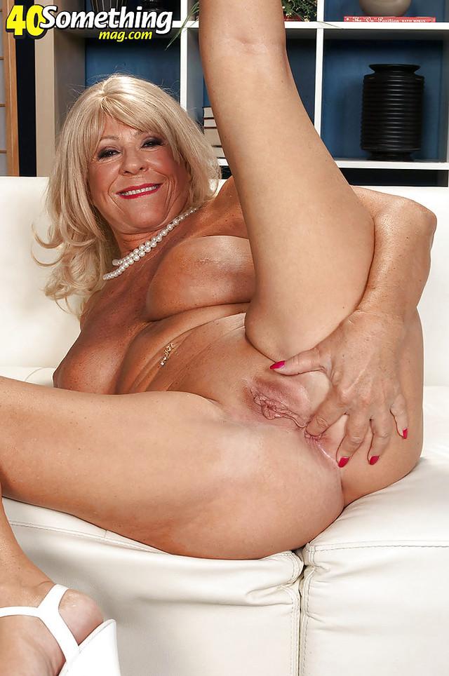 horny nude milfs