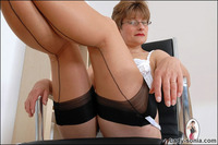 free gallery mature nylon porn lady sonia galleries mature bzq primm nylons boss mrs boston from