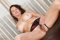free mature milf porn free custom galleries gallery milf showing lovely body