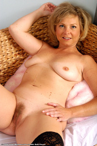 free mature porn preview gallery olderwomen mature porn woman amber from aunt judy