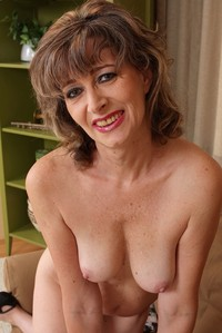 free older woman porn pic slutty old woman