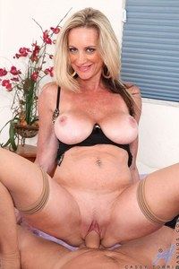 horny mature porn pictures anilos pics hardcore milf hot busty blonde cougar gets fucked hard horny stud cassy torri