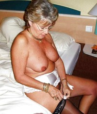 horny older woman porn more horny moms grannies
