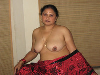 indian mature porn nude desi indian aunty showing boobs pussy