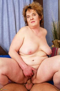 big mama mature porn gallery maturenl mama playing strapping toy boy