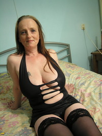 big mama mature porn maturenl baa pics titted mama playing herself all day long