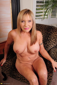 mature porn slut mature porn slut bitch hure fotze schlampe photo