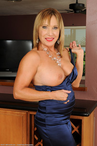 mature porn slut mature porn this beauty hiding slut under blue dress photo
