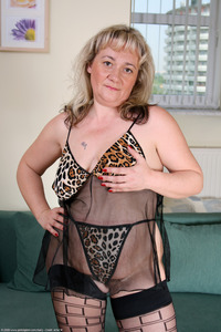 mature stocking porn bbw blonde floppy hairy hairystars mature saggy stockings