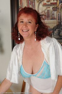 old plumpers porn tits ass redhead close mature milf old plumper takes nightie off