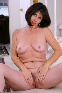 black free mature porn brunette mature milf mommy pleases all nylon fans