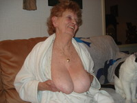 very old porn this very old lady accepted pose all nude show