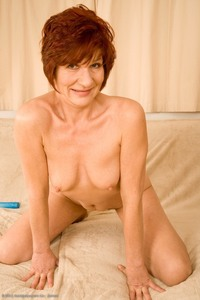 50 mature porn pics showcases dana over amateur mature showcase photos short haired looking hot