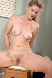 50 mature porn pics showcases caroline sexy milf over showcase photos exposes impressive body