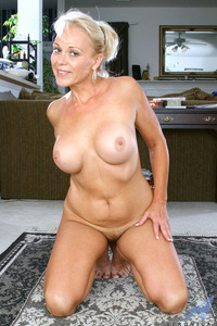 blonde mature porn galleries dcc bbf mature blonde flaunts