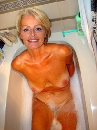 blonde mature porn mature porn blonde justine taking hot bath photo