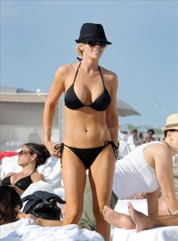 bikini moms photos spl hot bikini moms