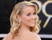 blonde mom pictures reese witherspoon hot mom hairstyles