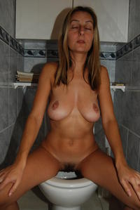 blonde mom pictures mature porn pooping blonde mom milf toilet shitting photo