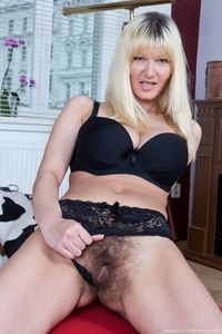 blonde mom pictures picpost thmbs blonde mom flashing hairy pussy pics