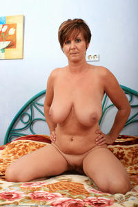 busty mature pics amateur porn busty mature wife spread photo