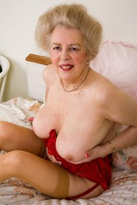 busty mature pics samples bus models busty