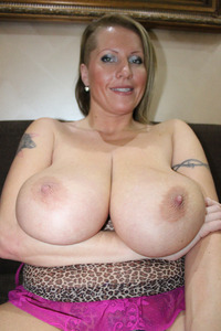 busty milf photos galleries silicone laura stunning amateur busty milf