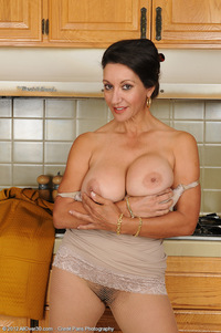 busty milf pic mdts galleries pics
