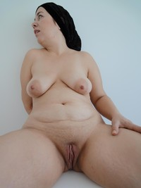 chubby mature porn galleries amateur porn mature chubby bbw shaved wet pussy photo
